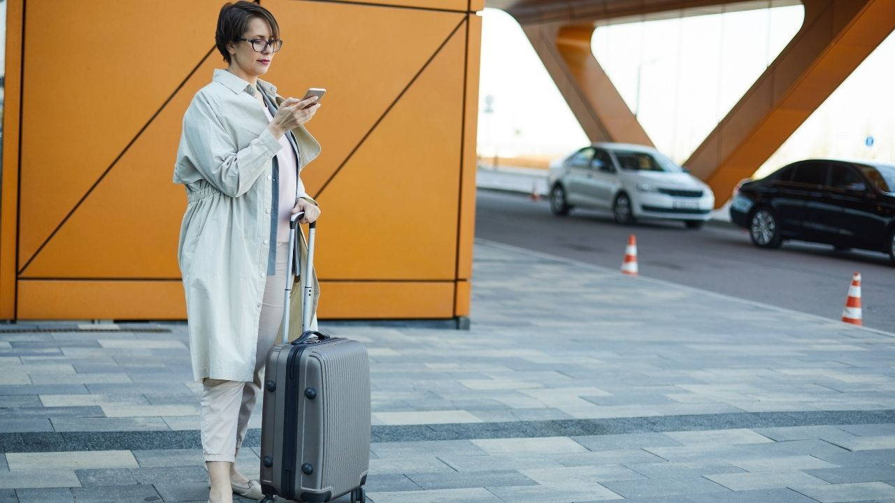 Private Transfers, Airport Line Taxis